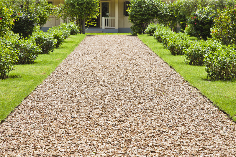 cheapest-way-to-make-a-shingle-garden-with-a-border7.jpg