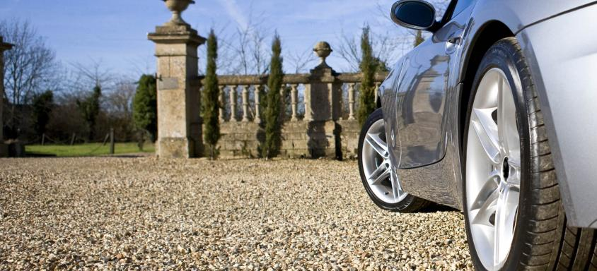 Resin vs Tarmac Driveways: Which Offers Best Value For Money?